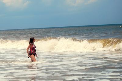 047 Haylee in the surf