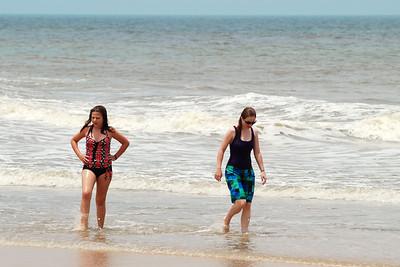 032 Rachel and Haylee in the surf