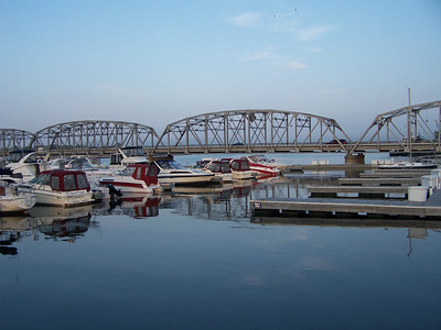 Another view of the Sturgeon Bay drawbridge.