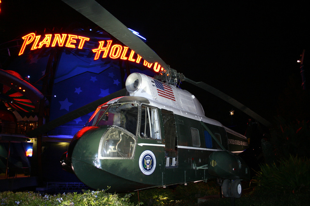This is the movie helicopter in front of Planey Hollywood. Notice the fake Presidential Seal.