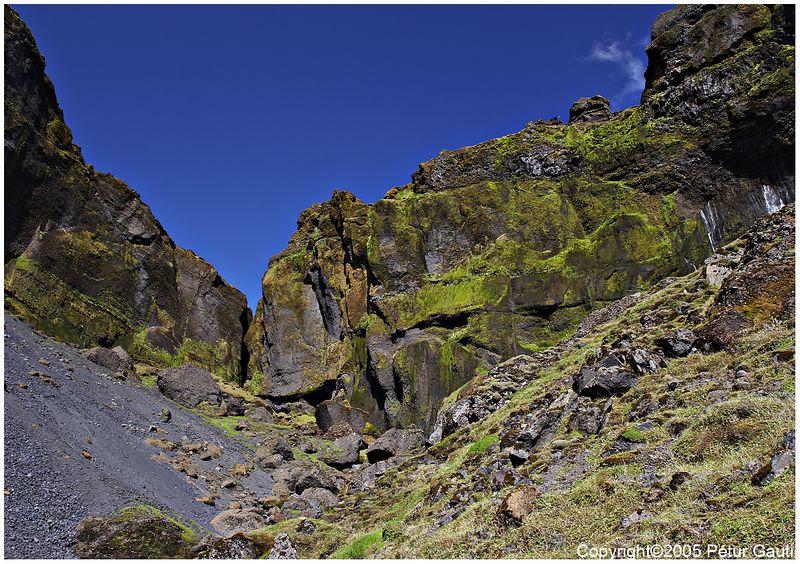 Looking into the Bæjargil canyon at Hof