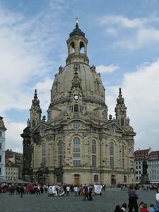 Neumarkt square, the Frauenkirche
