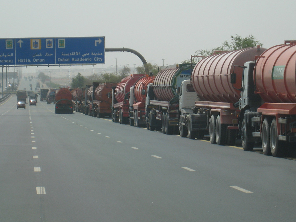 The queue of sewerage trucks and in typical Dubai style up ahead you can see some trucks that are trying to queue jump.  A sewerage truck queue jumping??  I'd let 'em in............