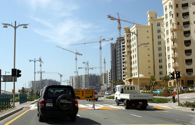 Construction of apartment buildings on the 'trunk' of Palm Jumeirah.
