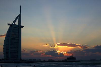 It is sometimes cloudy in Dubai!