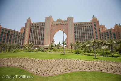 The Atlantis luxury hotel resort in Dubai, United Arab Emirates (UAE), May 28, 2009. /© Cody Williams.
