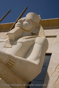 An egyptian statue outside the Wafi Mall in Dubai, May 27, 2009. /© Cody Williams.