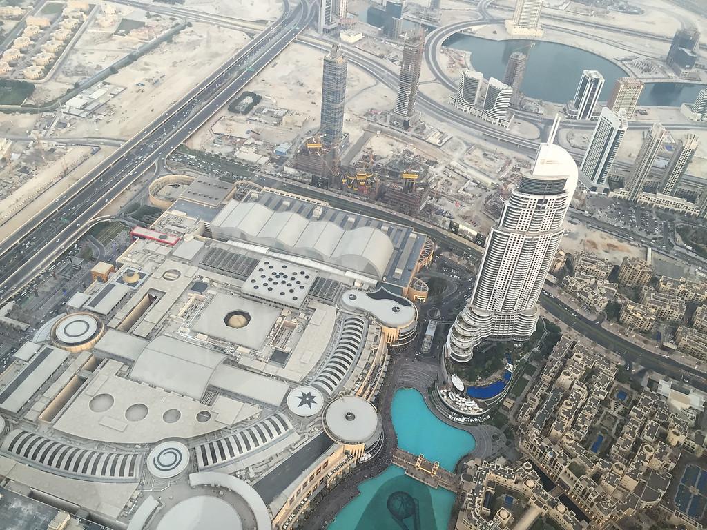 LookingDown_burj khalifa