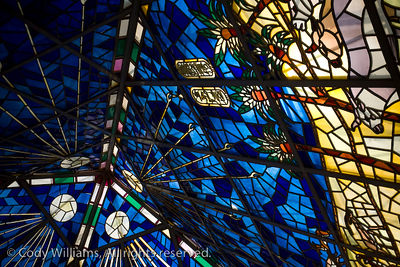 A stained glass roof of the Wafi Mall in Dubai, May 27, 2009. /© Cody Williams.