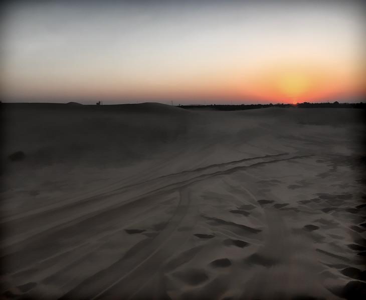 DunesSunsetRetro