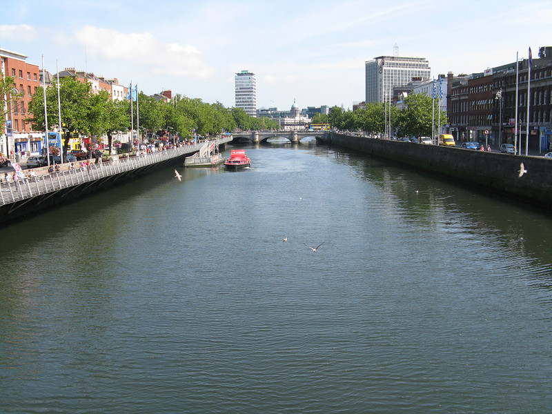 View east towards the O'Connell Bridge.