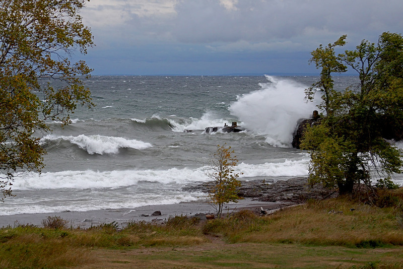 Big Waves Lake Michigan, Duluth Area