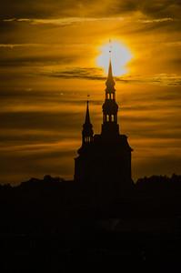 Niguliste kirik (St. Nicholas' Church) & Toomkirik (St. Mary's Cathedral)