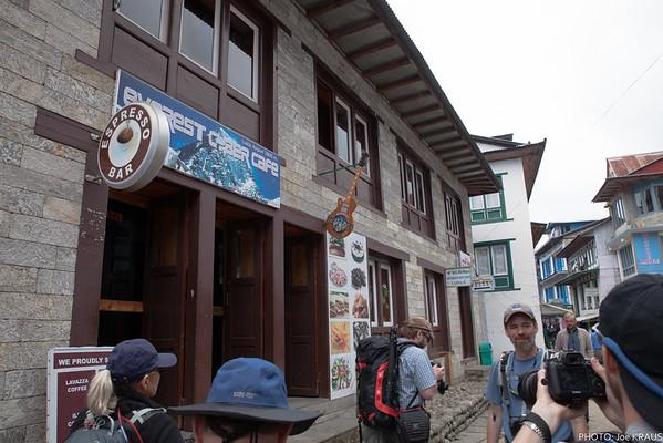 Expreso Bar and Hard Rock... of Lucla?