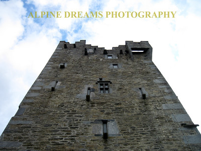 CASTLE WALLS SKYWARD