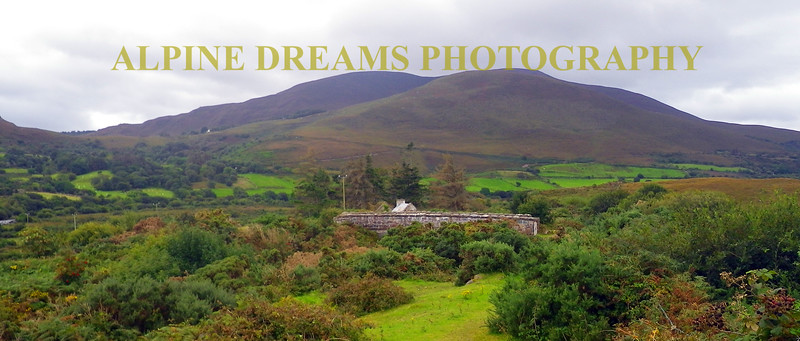 KERRY MOUNTAINS ROLLING HILLS