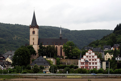 the town of Lorch and the Church of St. Martin