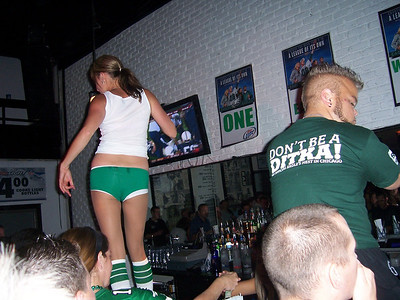 Dancin on the bar....hey, is that a little person?