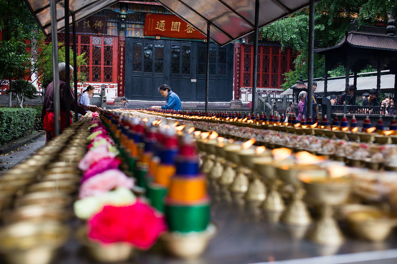 Worshippers at Zhao Yue Temple in Chengdu, Sichuan, China.