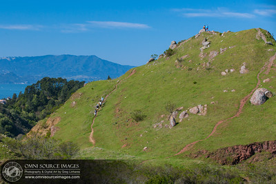 Day Hiking at Sibley Volcanic Regional Preserve. Oakland, CA.
