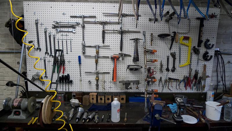 Drew's frame tool workbench.  I wish my bench was that neat.