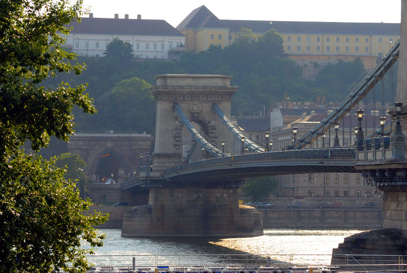 Sze'chenyi La'nchi'd : Chain Bridge (across the Danube joining pest and Buda). From Pest side looking to Buda