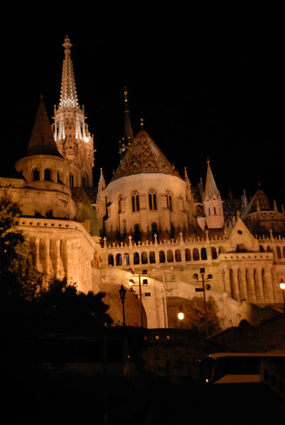 Hala'szbastya & Ma'tya's-templon at night, the Bastion and Matthias Church, Buda, Budapest Hungar