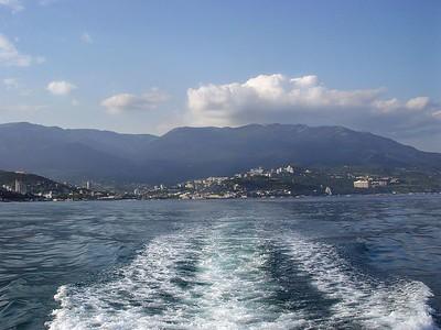 Horft til Yalta.