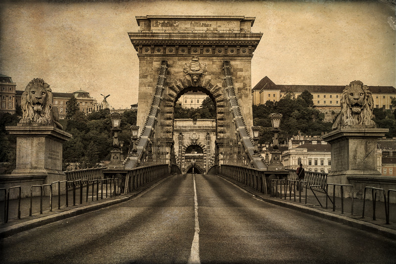Chain Bridge overloolong the Pest side of Budapest
