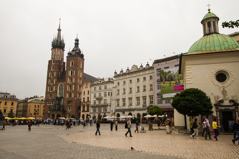 Old Town Square (Rynek Glowny) and St. Mary's Basilica