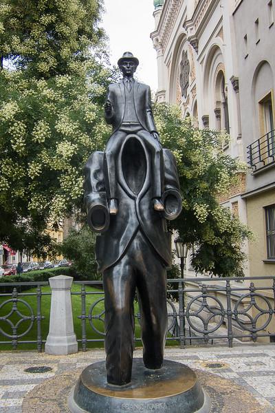 Bronze statue of Franz Kafka by Jaroslav Rona