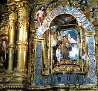Some detail of the golden altar.