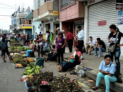 Coca market scene