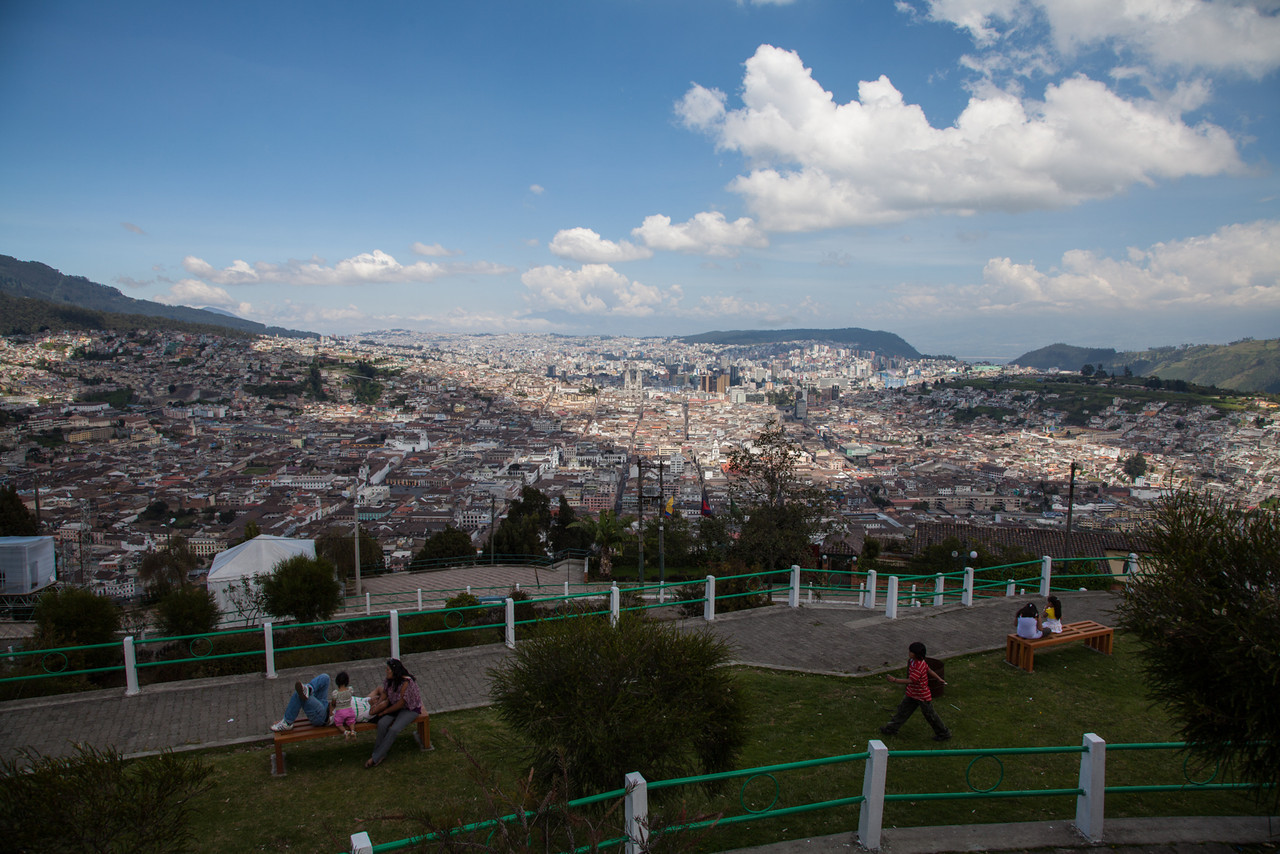 Lots of families out enjoying the weather on top of El Panecillo.