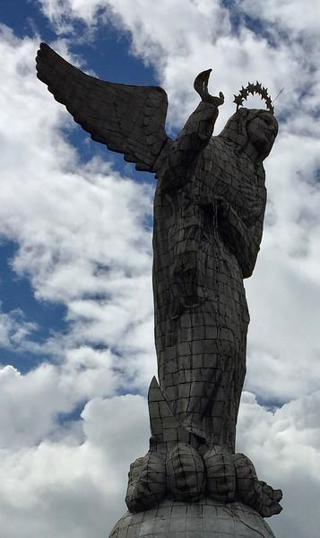 Monumento a la Virgen de Quito, El Panecillo