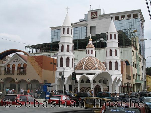 2006-11-06_11642 church in Portoviejo Kirche in Portoviejo iglesia en Portoviejo
