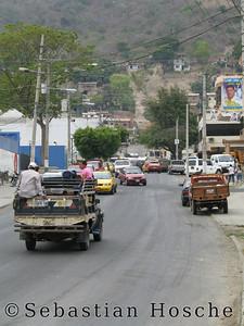 2006-11-06_11648 a street in Portoviejo eine Straße in Portoviejo una calle en Portoviejo