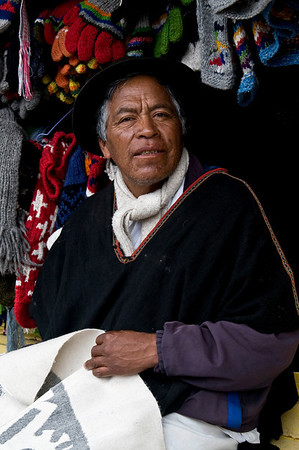 woolen crafts vendor
