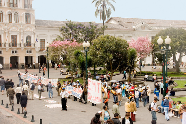 Peaceful demonstration in front of the Presidential Palace.