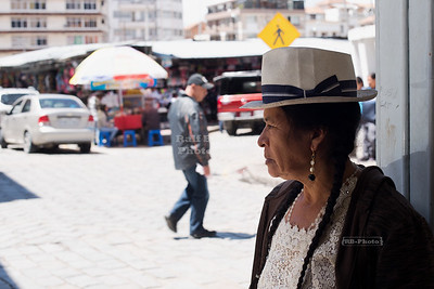 Indigenous woman in Cuenca