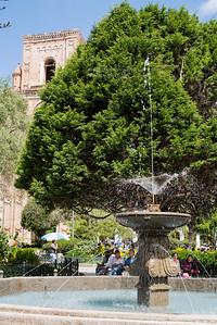 Parque Calderón, Cuenca