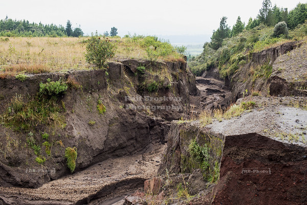 Mud canyon at Cotopaxi National Park