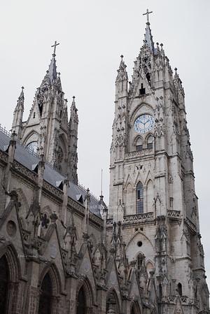 Basílica del Voto Nacional Quito
