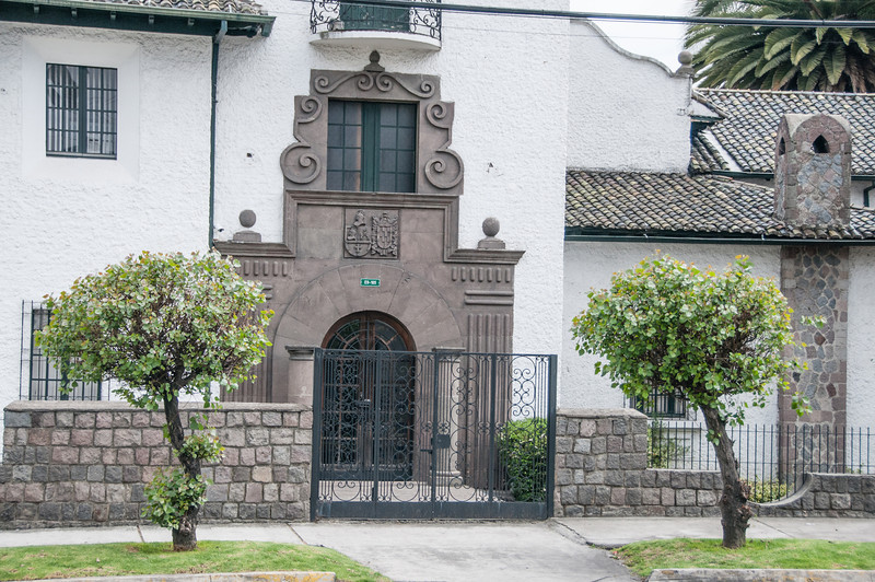 • Location - Quito, Ecuador<br /> • Interesting house I saw while riding on the bus