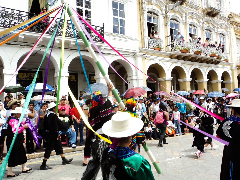 Christmas in Ecuador includes Pase de Nino, discover the other Christmas traditions in Ecuador.