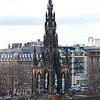 Este es el monumento a Sir Walter Scott que vivio del 15 de Agosto de 1771 hasta el 21 de Septiembre de 1832. Como poeta y novelista historico, fue popular en el mundo y aun lo es hoy. El hizo mucho para crear la imagen que muchos tienen de Escocia hoy ya que fue de los primeros en popularizar muchas partes de la historia.
