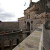 Las dos estatuas que se ven en la entrada son el de la izquierda Robert The Bruce y el de la derecha William Wallace.