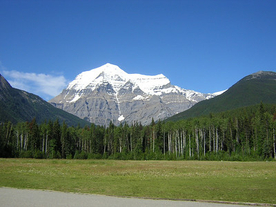 Mount Robson  Mount Robson on a clear summer day  Mount Robson on a clear summer day  Mount Robson on a clear summer day