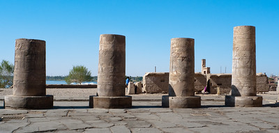 Kom Ombo: Temple of Sobek and Haroeris - sawn off to provide building material for local sugar refinery!