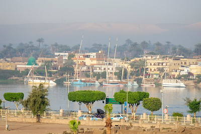 Bright morniing on the Nile